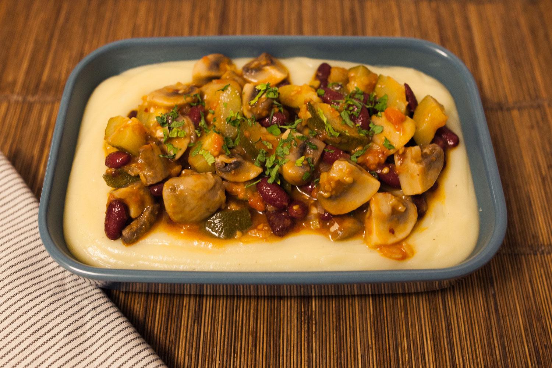 Estofado vegetariano con puré de patatas