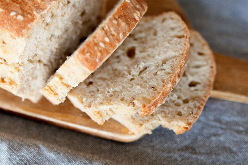 Pan de molde vegano con semillas